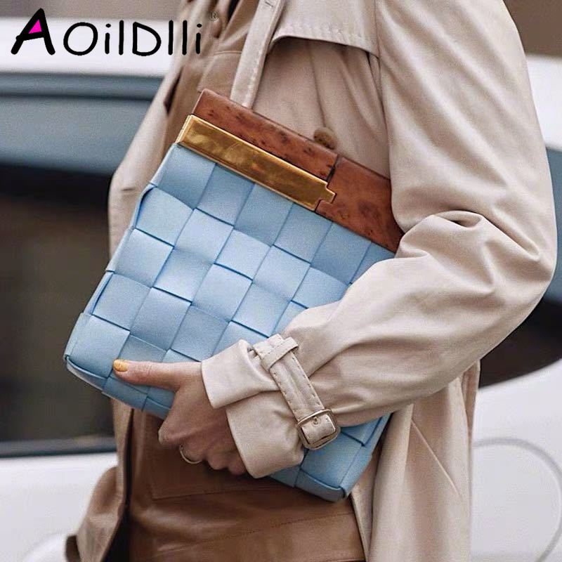 New Women Clutch Bag Fashion Personalized Wooden Handle Knitting Bag Quality PU Leather Ladies Large Capacity Totes Evening Bags